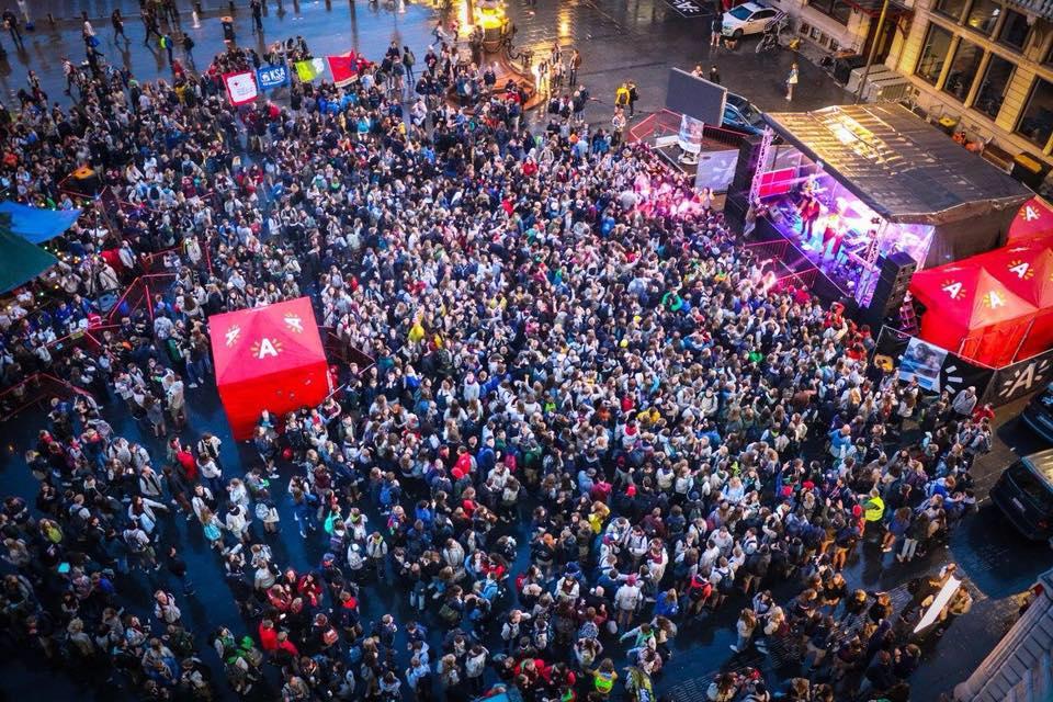 2.000 jongeren vieren Dag van de Jeugdbeweging op Astridplein (HLN)