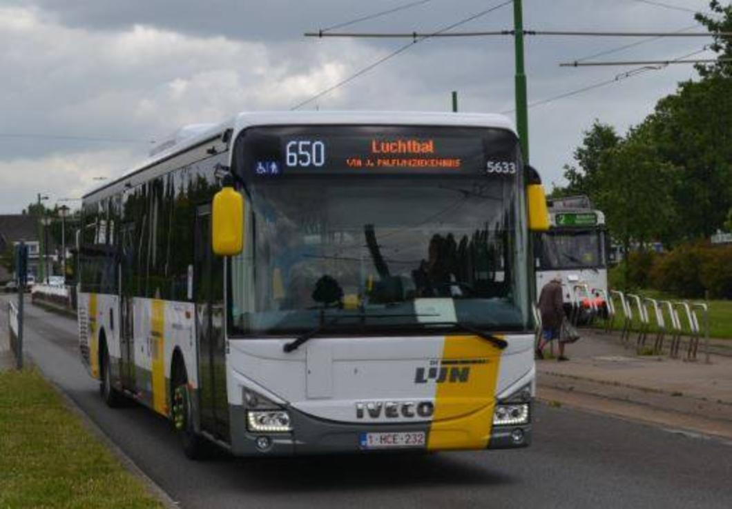 CD&V Merksem stelt tijdelijke busdienst voor na nieuw uitstel over buslijn 650 (GVA)