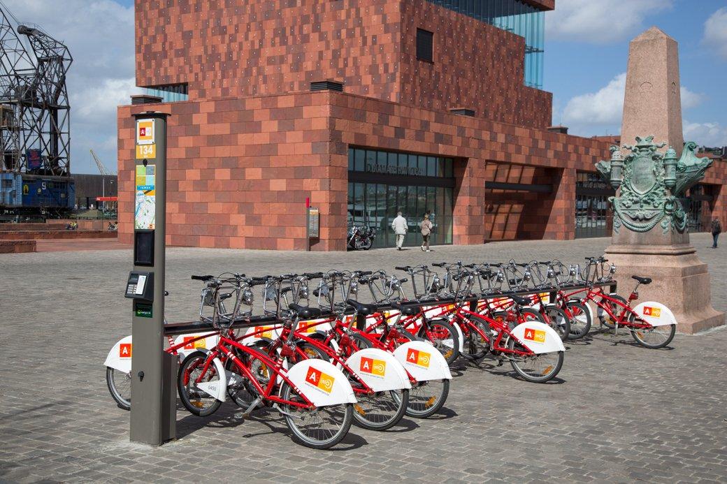 Trek de duurtijd van een ritje met de Antwerpse Vélo op (GVA/NB)